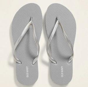 Old Navy flip flop sandals